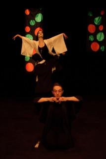 「阿国」(歌舞伎ダンサー)(2013) ロンドン、コックピットシアター *クリックすると動画が見れます。