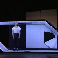 自分を見つめる一人舞台 マルタン ジィメルマン  東京芸術劇場にて